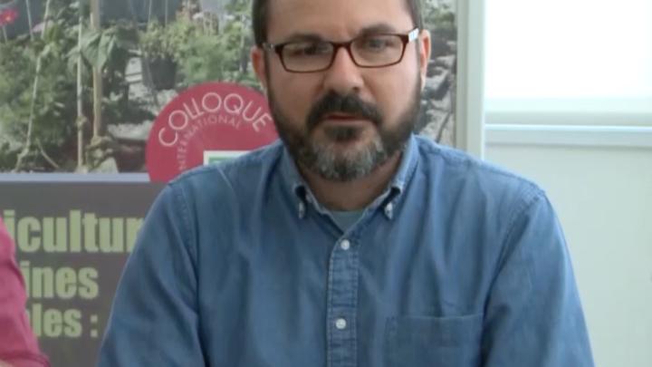 Interview en LSF de Jean-Noel Consoles, Maitre de conférence en urbanisme et aménagement du territoire