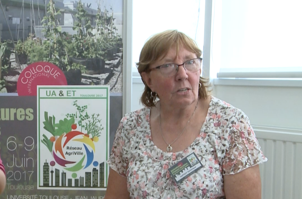 Interview en LSF de Dominique Dupouy, Présidente des «Jardins de Tournefeuille»